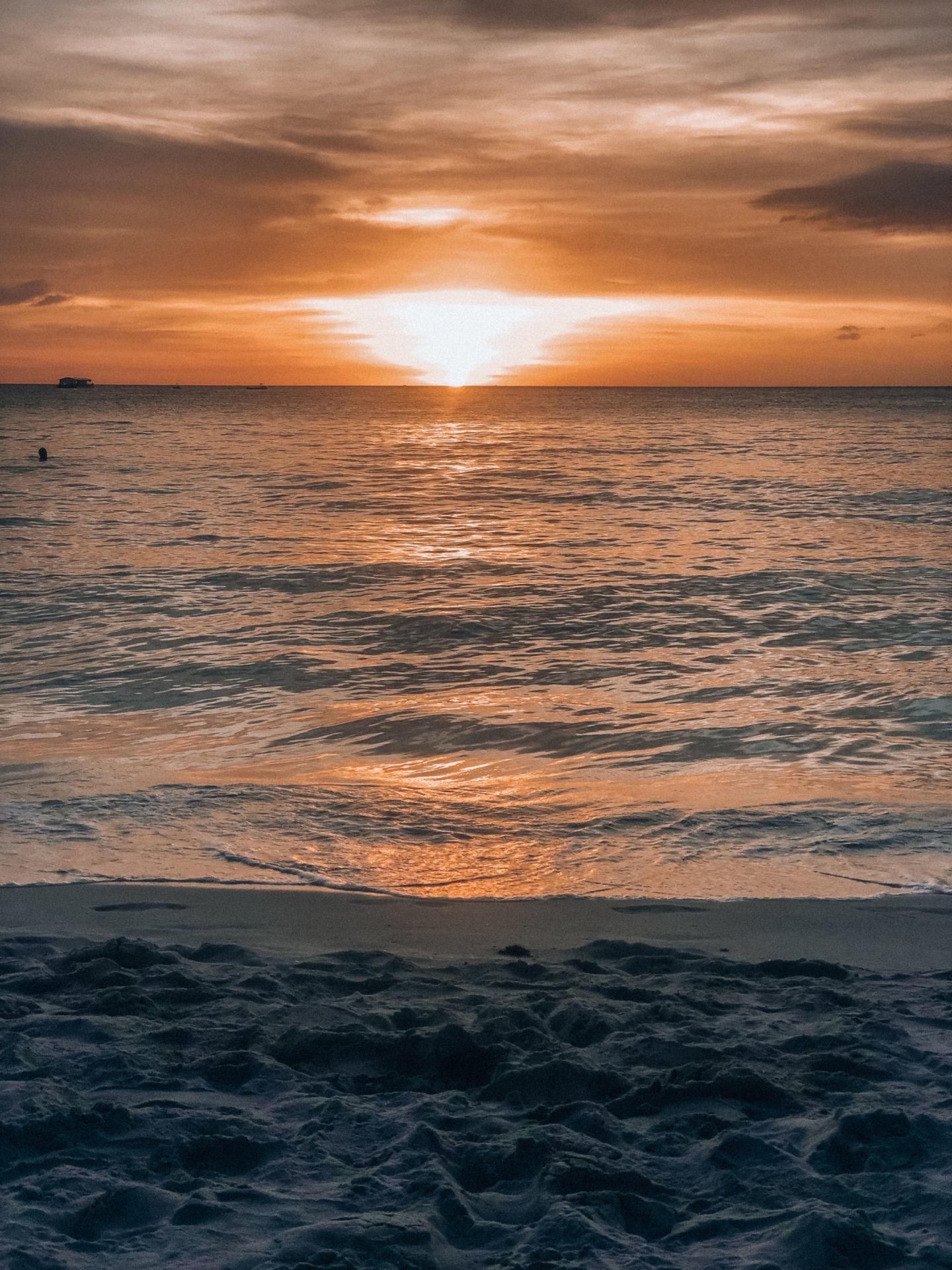 kenzie_boracay_beach_sunset