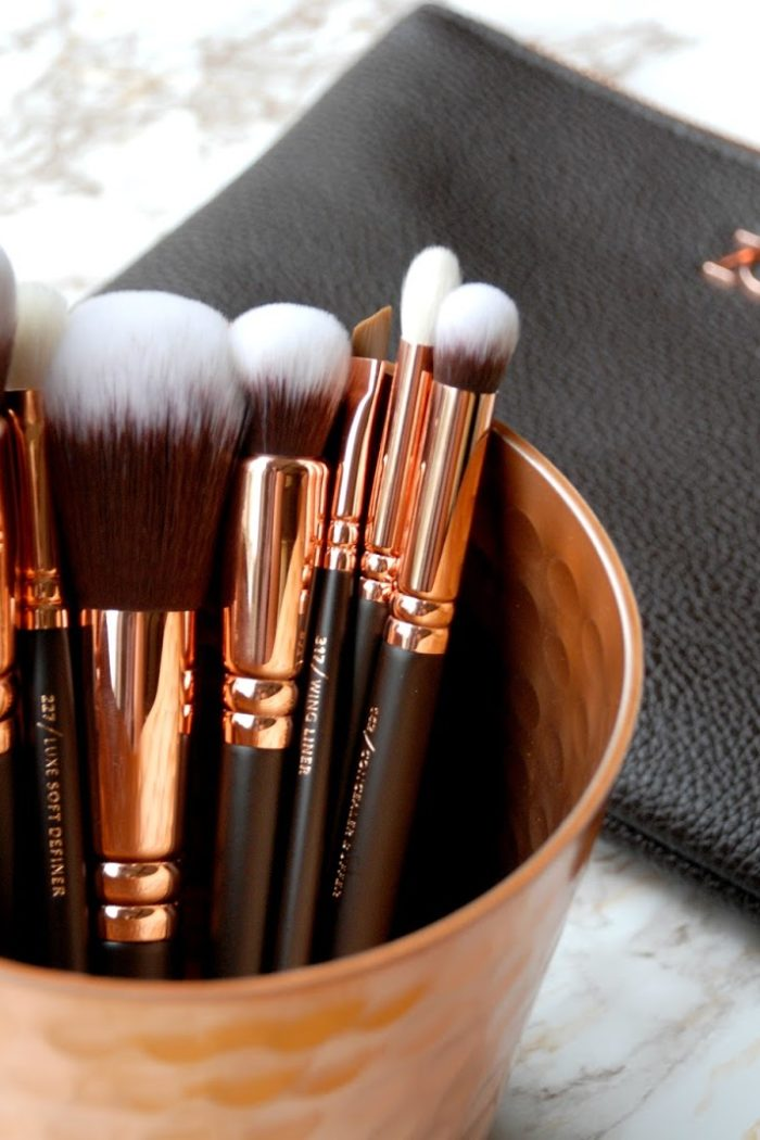 Treat yourself to the Zoeva rose gold brush set