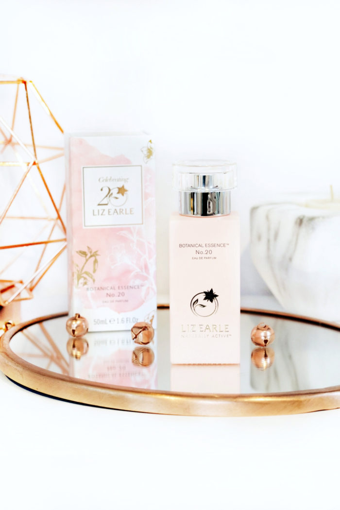 Liz Earle – Your daily routine superskin bundle & in love with botanicals collection